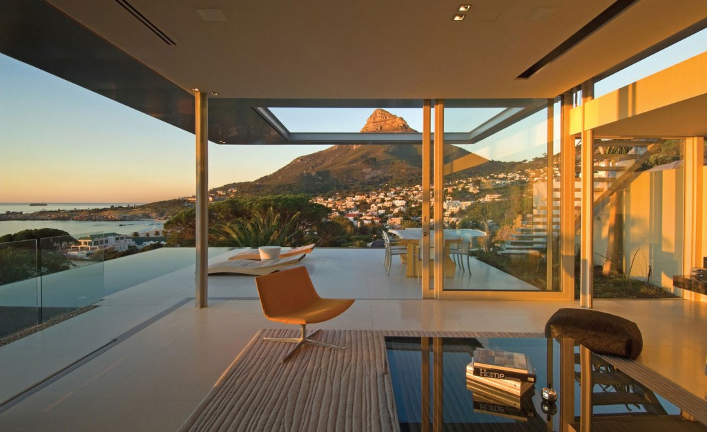 First-Crescent-Amazing-Vacation-House-in-South-Africa-4